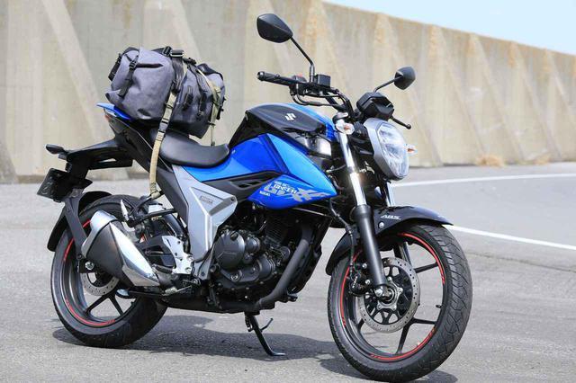 画像9: スズキ新型『ジクサー150』は積載テクニックだけでロングツーリング対応型バイクに化けるんです!