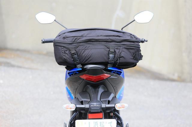画像5: スズキ新型『ジクサー150』は積載テクニックだけでロングツーリング対応型バイクに化けるんです!