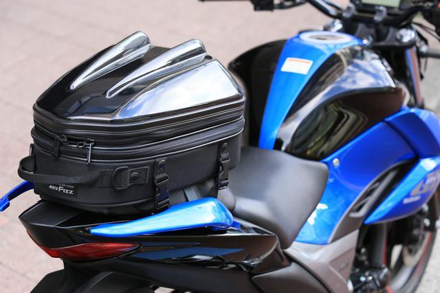 画像12: スズキ新型『ジクサー150』は積載テクニックだけでロングツーリング対応型バイクに化けるんです!