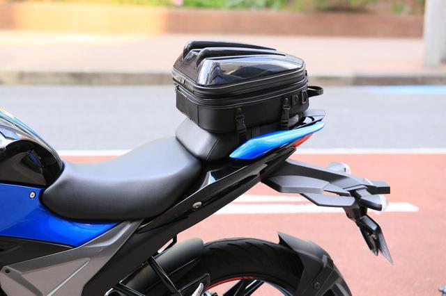 画像8: スズキ新型『ジクサー150』は積載テクニックだけでロングツーリング対応型バイクに化けるんです!
