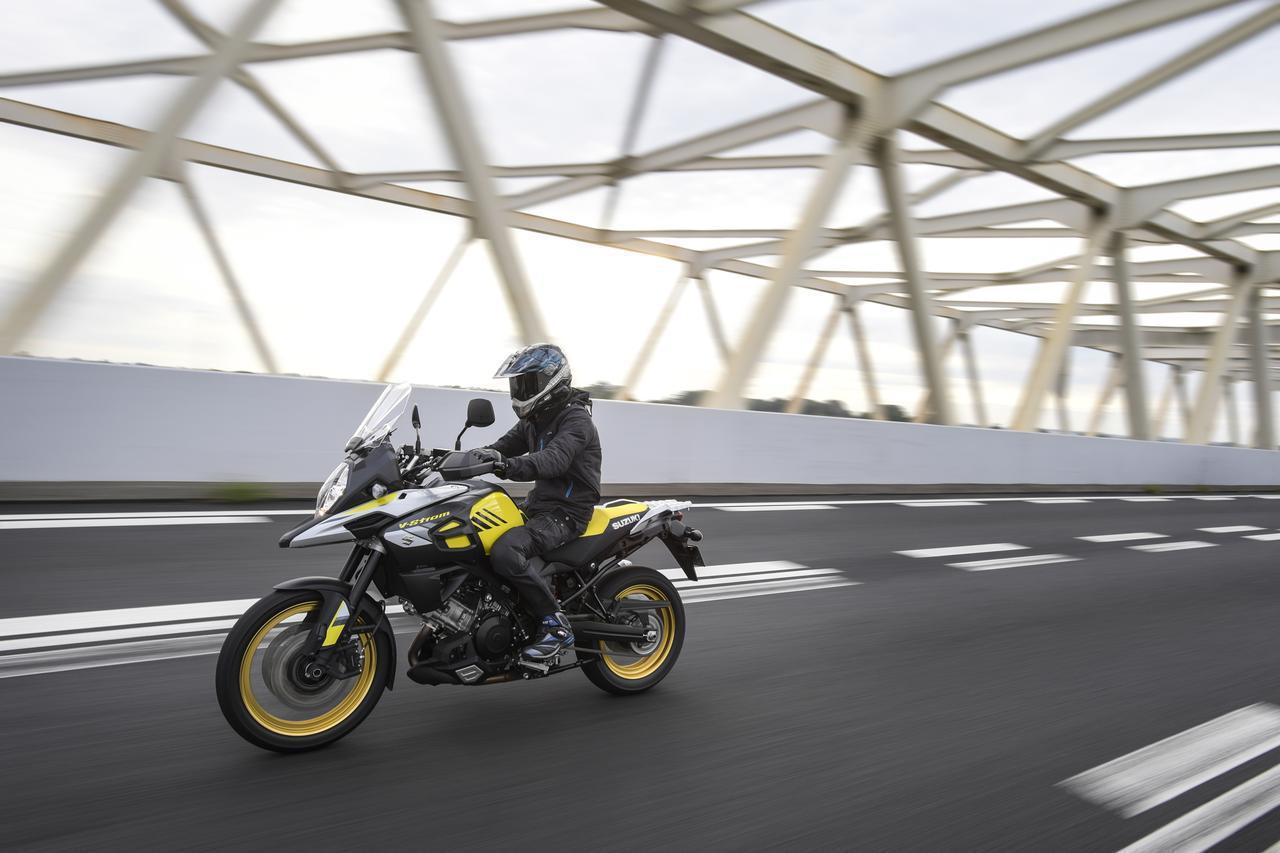 画像3: 写真はスズキ「Vストローム1000XT ABS」(2018年モデル)。