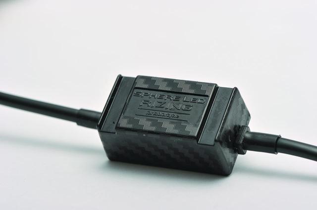 画像: 電圧不足によるトラブルを防いでくれるコントローラーを装着。壊れないことが何より大事ですからね!