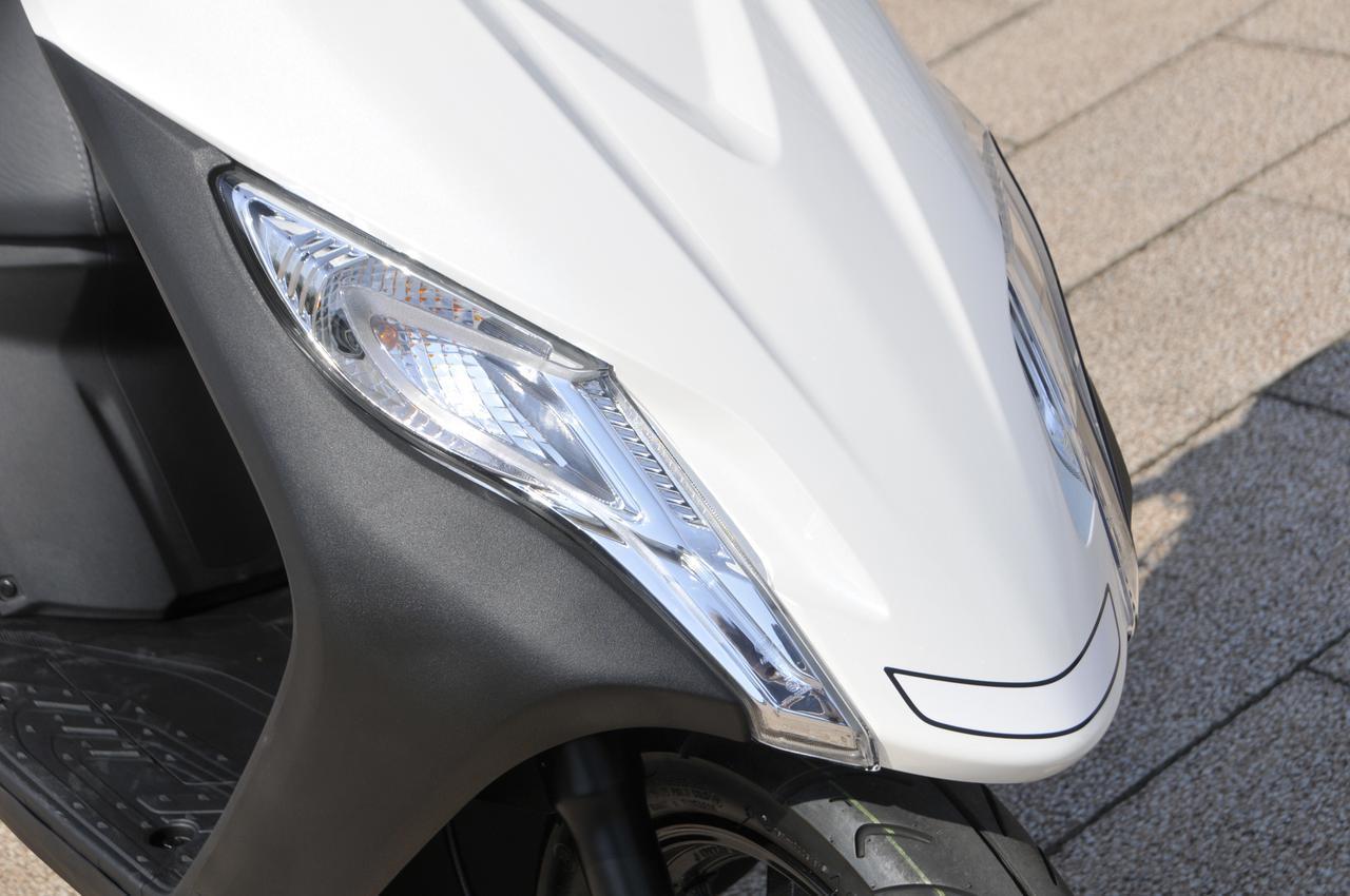 画像1: 点灯時は「カッチッ、カッチッ」としっかり音が聞こえるのでウインカーの出し忘れ防止にもなります。