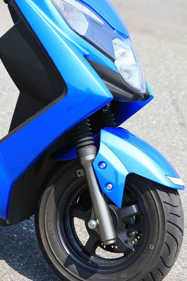 画像3: 前後10インチホイールの圧倒的軽快さ! この原付二種/125ccスクーターは通勤・通学だけじゃもったいない!?【穴が空くまでスズキを愛でる/スウィッシュ 試乗インプレ②】