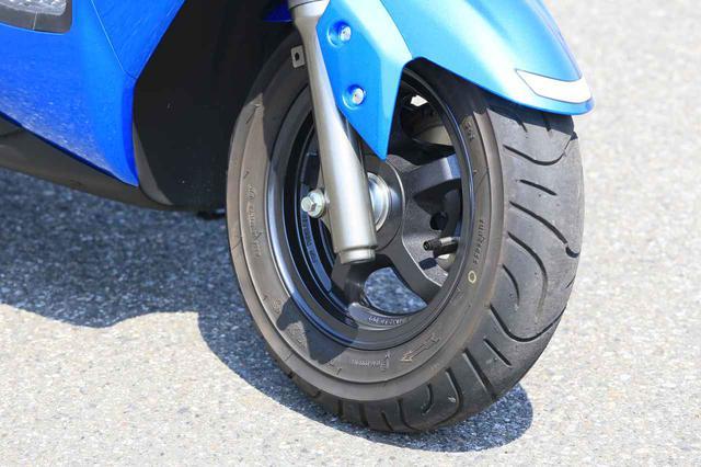 画像1: 前後10インチホイールの圧倒的軽快さ! この原付二種/125ccスクーターは通勤・通学だけじゃもったいない!?【穴が空くまでスズキを愛でる/スウィッシュ 試乗インプレ②】