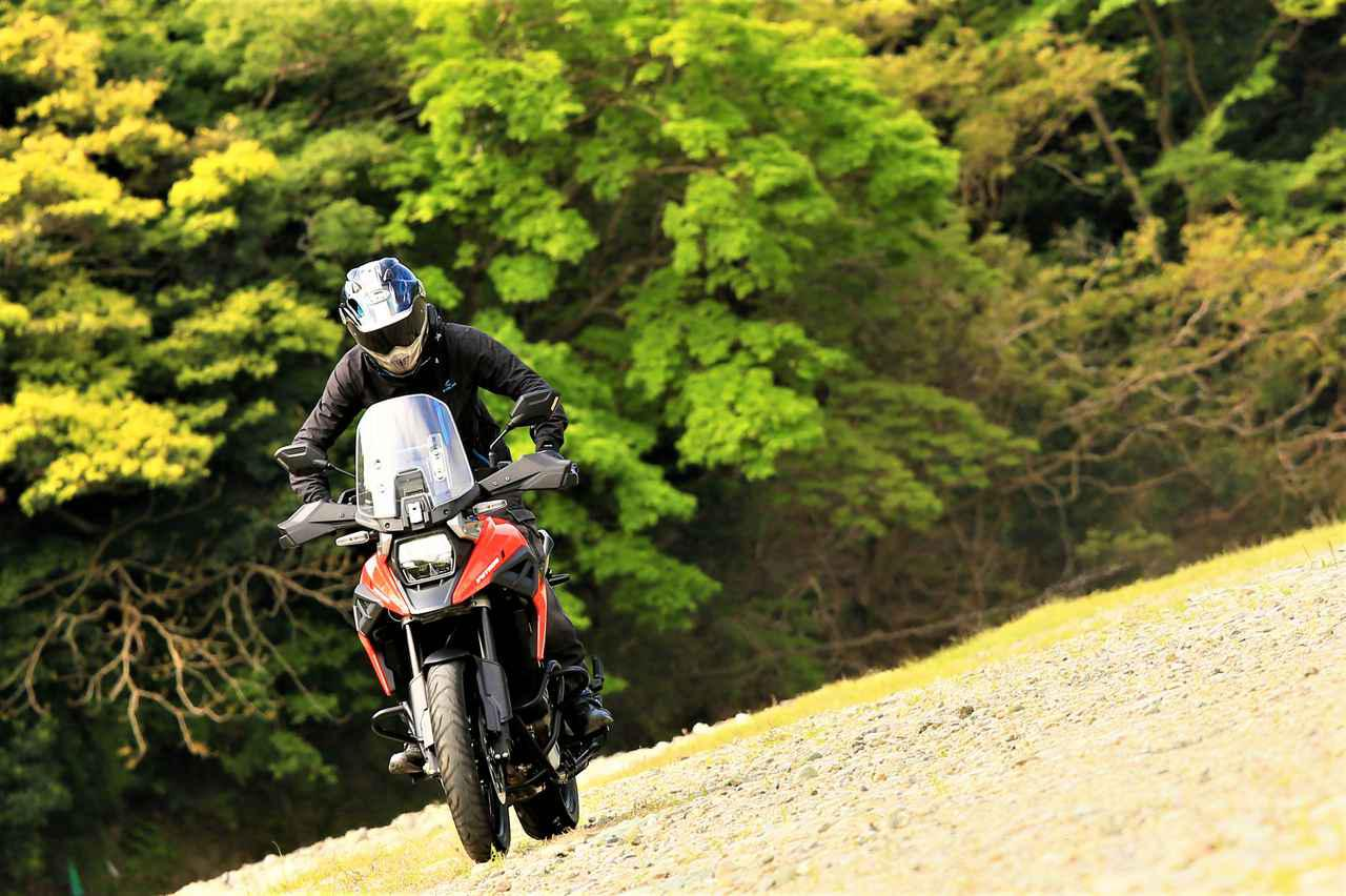 画像: 【レビュー②】狙ったのか、結果的にそうなったのか? 『Vストローム1050XT』をアドベンチャーバイクとして考えると…… - スズキのバイク!