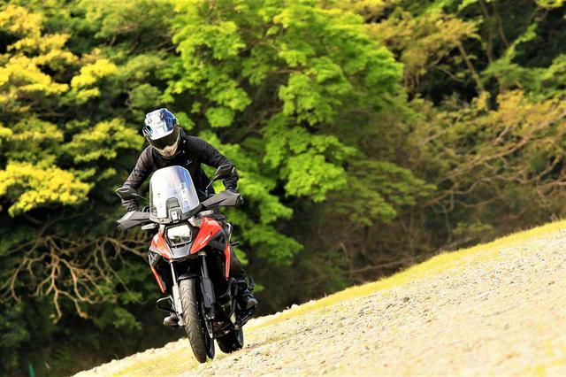 画像: 狙ったのか、結果的にそうなったのか? 新型『Vストローム1050XT』をアドベンチャーバイクとして考えると…… スズキのバイク!
