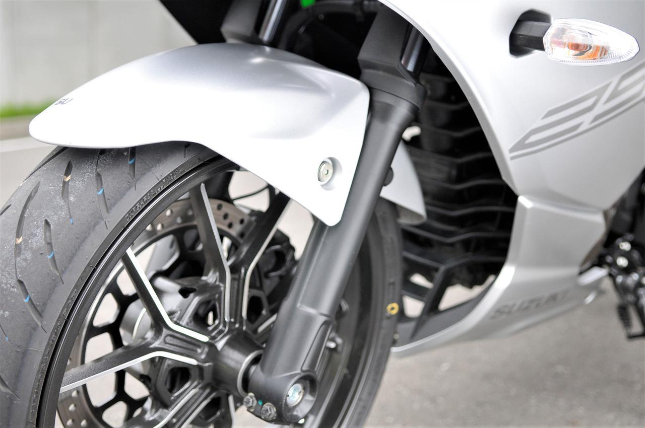 画像1: コーナーでは大胆に!スズキの新型ジクサーSF250は、初心者から大型バイク乗りまで楽しめる250ccでした!【SUZUKI GIXXER SF250/試乗インプレ③】