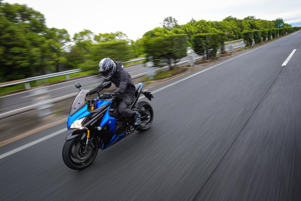 画像4: バイクにはスズキ『GSX-S1000F』をセレクト!
