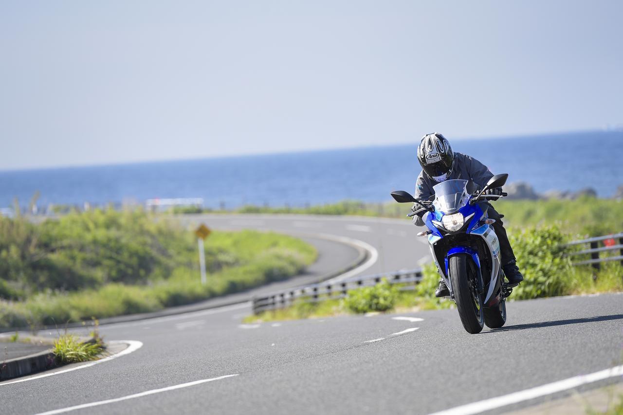 画像: ここにきてスズキのGSX250Rが逆に目立つ! 他の250ccには無い『走り』って何だ? - スズキのバイク!