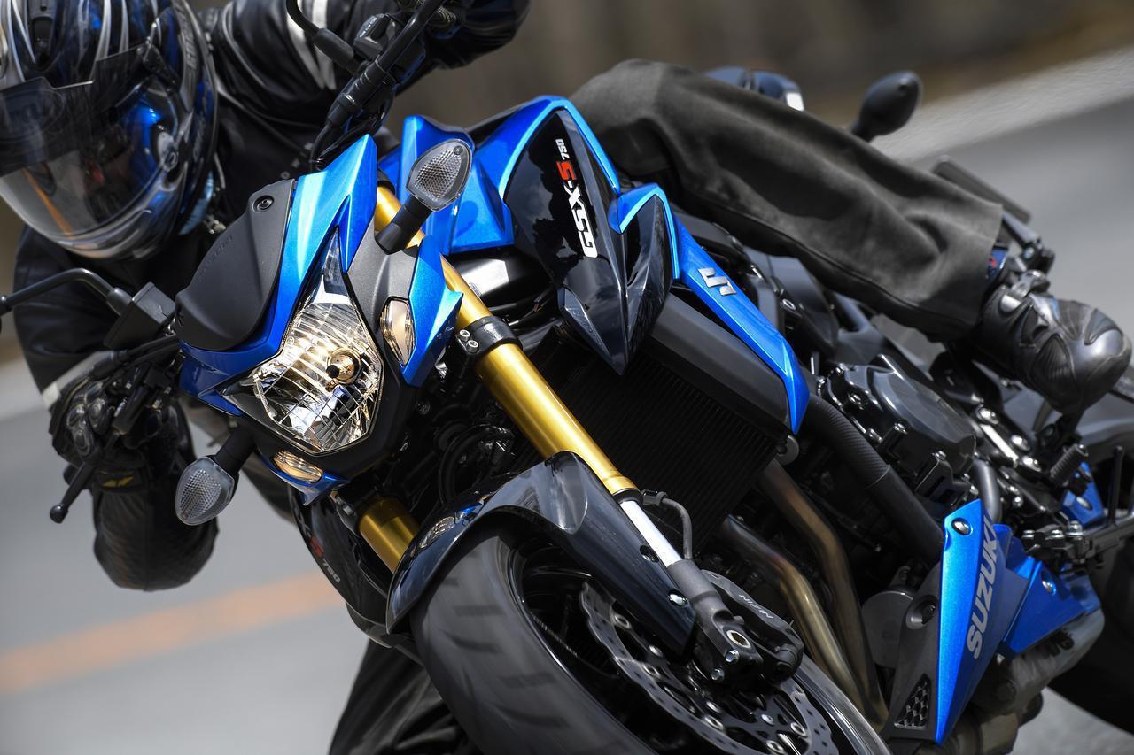 """画像: 1000ccにも負けない? GSX-S750が神レベル!? スズキの""""ナナハン四発""""は完全なリッターキラーだ! - スズキのバイク!"""