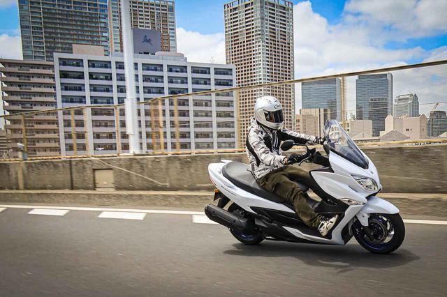 画像2: 400ccグランツーリスモと言えるスズキのバーグマン400