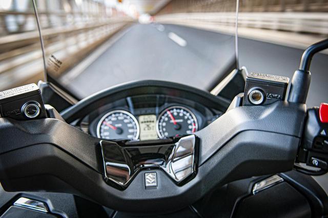 画像3: 400ccグランツーリスモと言えるスズキのバーグマン400