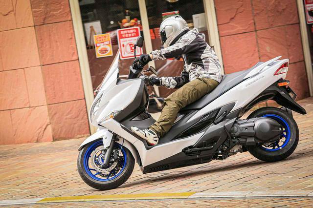 画像3: 街乗りの使いやすさを向上させつつ、400ccバイクとしてスポーティな走りも!