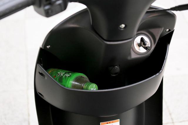 画像2: スズキの『レッツ』には便利と安心が標準装備!