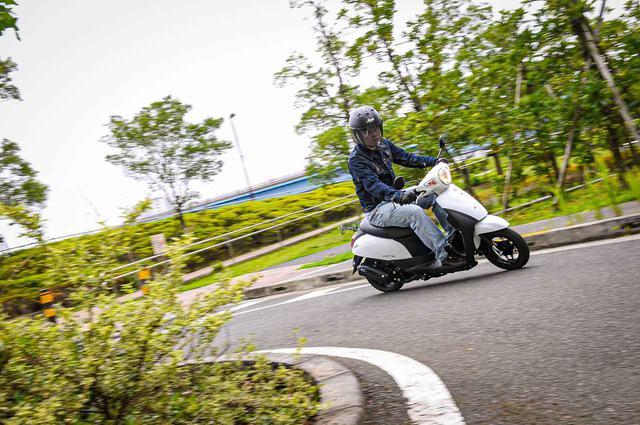 画像1: バイク初心者でも安心できる50cc原付スクーター