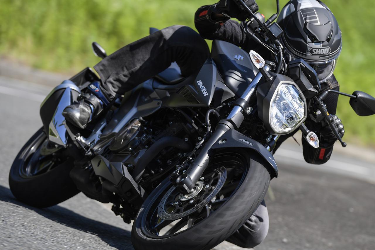 """画像: 燃費も良いし、航続距離もけっこうある。ネイキッド『ジクサー250』はツーリングも快適な""""万能250ccバイク""""か? - スズキのバイク!"""