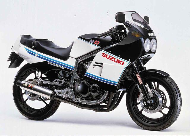 画像: 【クイズ】 いちばん最初の『GSX-R』の排気量は? - スズキのバイク!