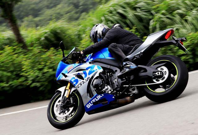 画像: 【後編】サーキット以外も楽しめる! はじめてのスーパースポーツにはスズキ『GSX-R1000R』をおすすめしたい理由って? - スズキのバイク!