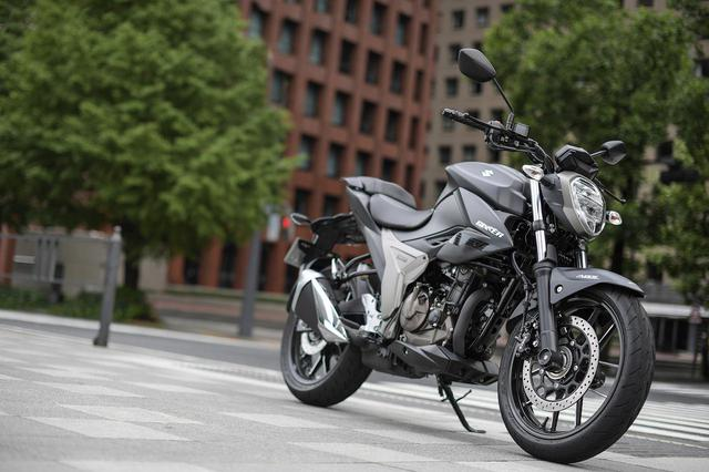 画像: スズキ新型ネイキッド『ジクサー250』とフルカウル『ジクサーSF250』って同じバイクなの?- スズキのバイク!