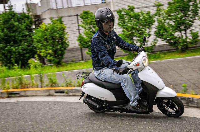 画像: 原付スクーターってこんなに燃費いいの!? スズキの50ccバイク『レッツ』に10日間乗って明らかになったこと - スズキのバイク!