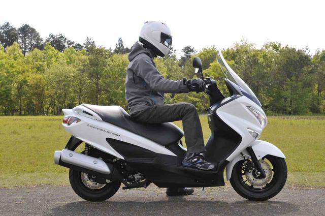 画像5: スズキ『バーグマン200』の燃費は? 最強クラスの足つき性と便利&快適が山盛り!【SUZKI BURGMAN200 試乗インプレ解説編】