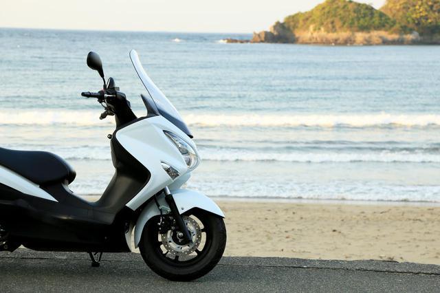 画像3: 150ccのバイクには望めない余裕の高速クルージング