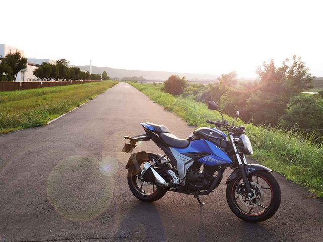 画像1: スズキ『ジクサー150』は名車と呼べるバイクです!
