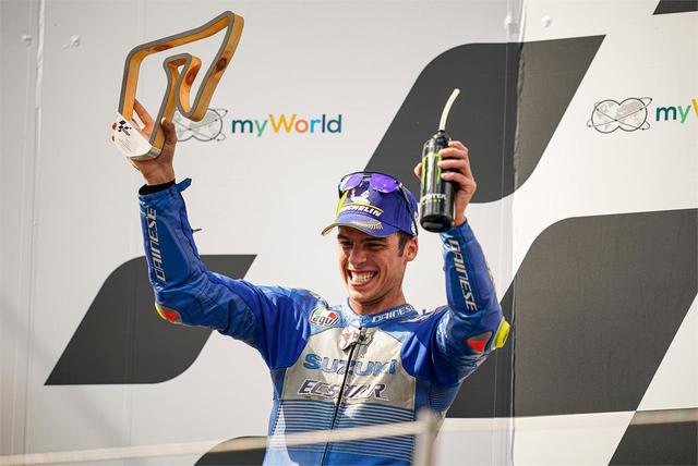 画像: 《100%スズキ贔屓》チーム・スズキ・エクスターが存在感! MotoGP第5戦オーストリアGPでジョアン・ミルが2位表彰台獲得。リンスも惜しかったけど強かった! - スズキのバイク!