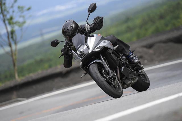 """画像: 新型『KATANA』と伝説の""""スズキのカタナ""""は同じラインを走っているか? - スズキのバイク!"""