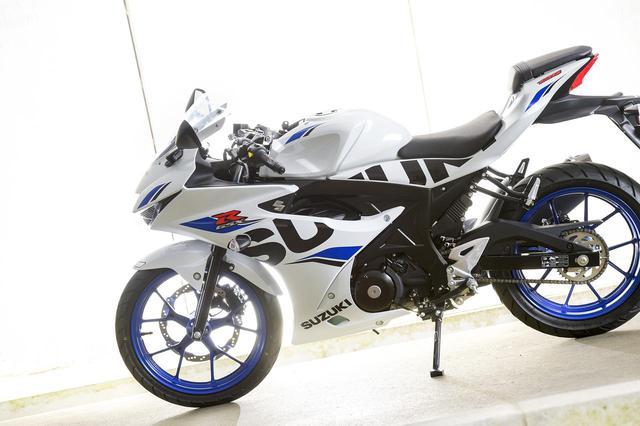 画像2: 125ccバイクはライディングフォームも流れるように