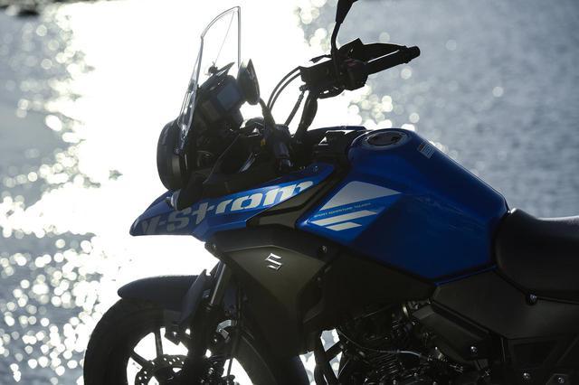 画像: 【詳細解説】スズキ『Vストローム250』の燃費や足つき性は? - スズキのバイク!
