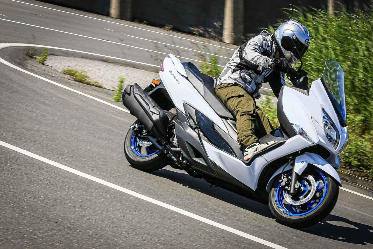 画像1: 《街乗り編》ライバル不在! 400ccバイクで唯一の『ビッグスクーター』は守備範囲広すぎのマルチ・ツーリングでした! - スズキのバイク!