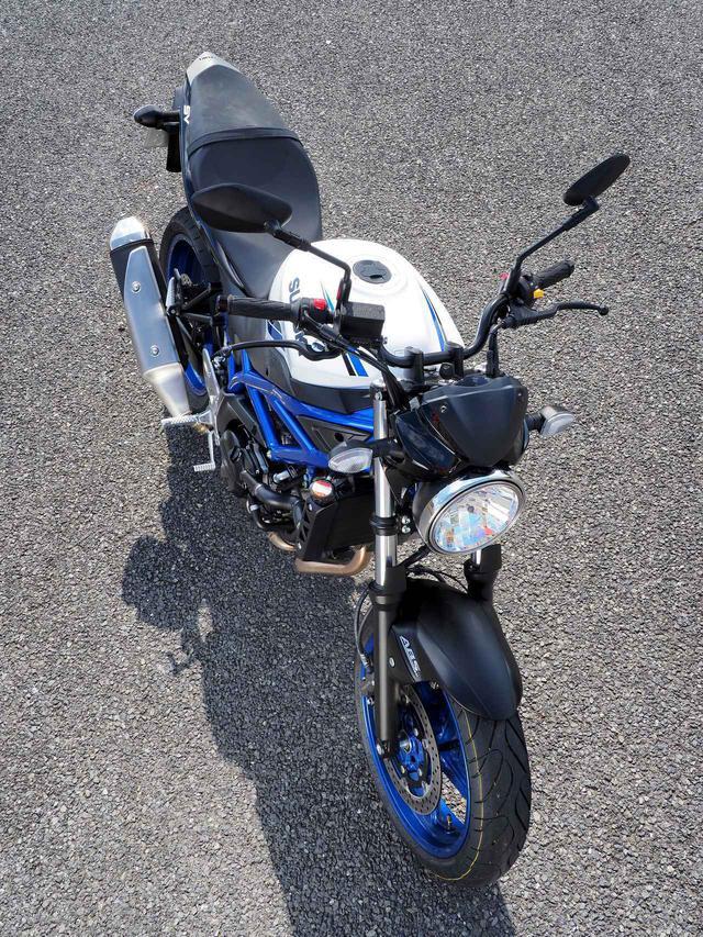 画像1: 大型バイク免許があっても、あえて650ccを選ぶ。その理由はスズキ『SV650』に乗るとよくわかる!【SUZUKI SV650/試乗インプレ②/後編】