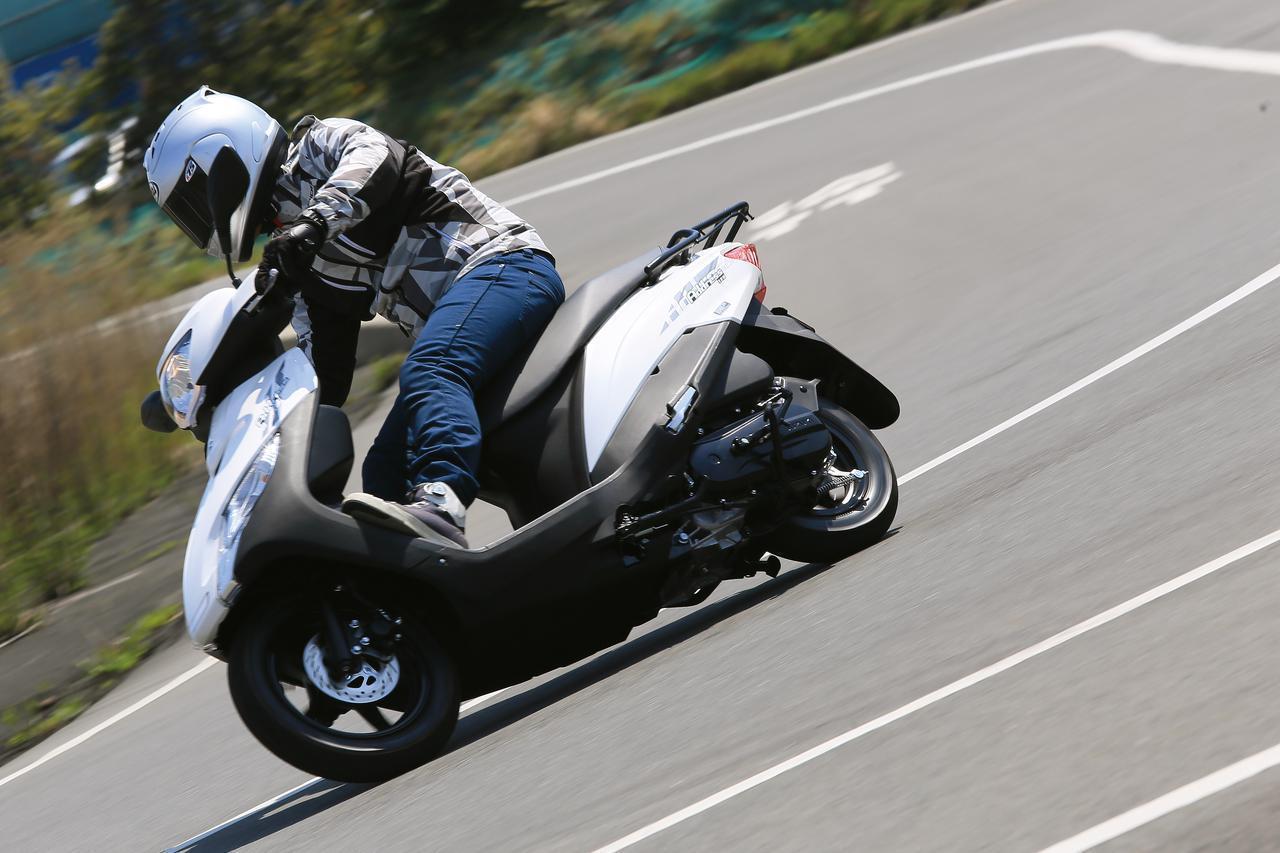 """画像: """"通勤快速""""の異名はダテじゃない! 日常的に使うと分かる『アドレス125』のスゴさ - スズキのバイク!"""