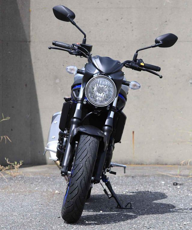 画像: ① SV650は、通勤通学など気軽に街乗りもできる