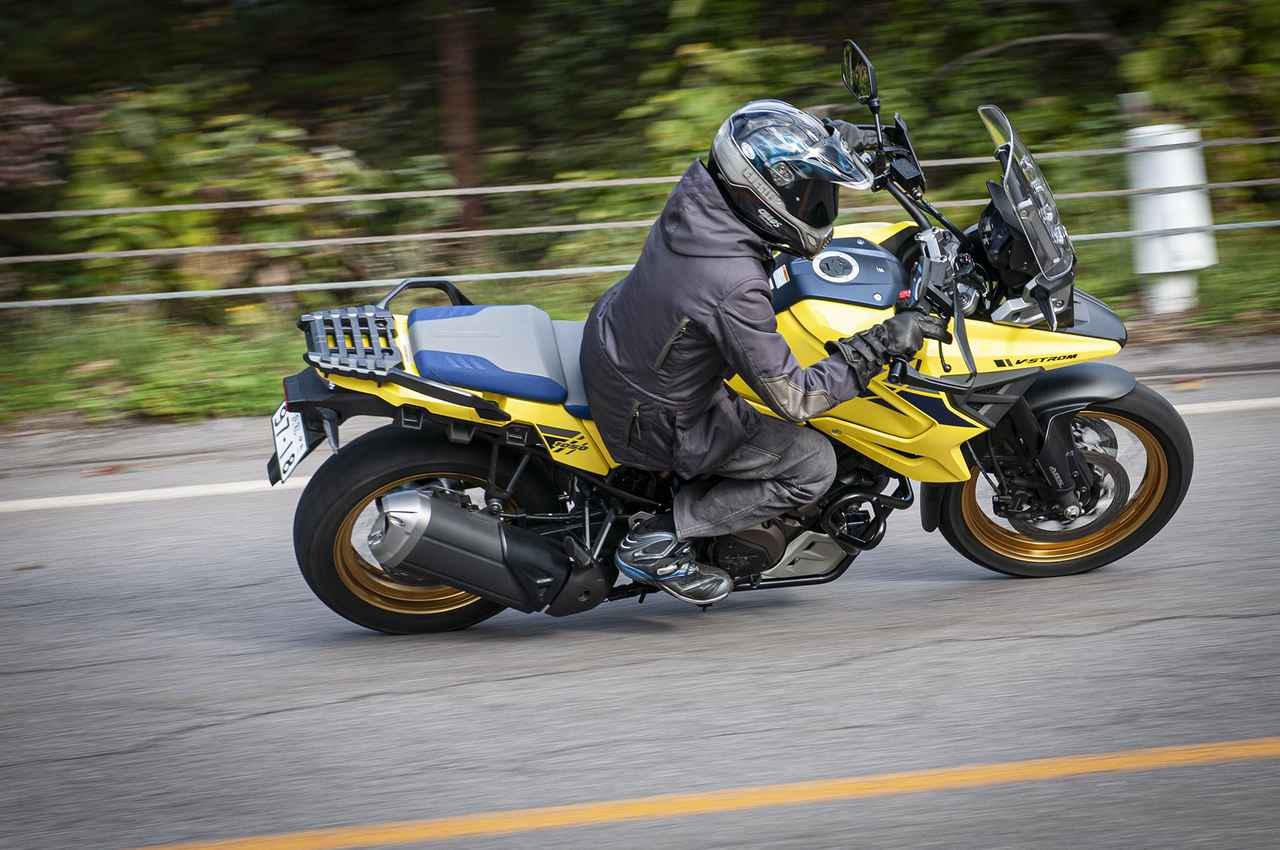 画像1: Vストローム1050/XTは速いけど、速さ自慢のバイクじゃない
