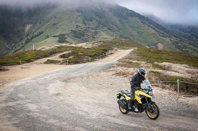 画像1: スズキ『Vストローム1000』から『Vストローム1050』への進化で、いちばん変わったのは冒険バイクとしての性能かも?【SUZUKI V-Strom1050 XT/アドベンチャー編】