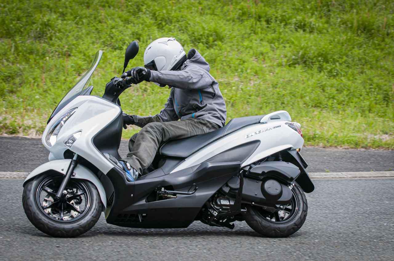 画像: スズキ『バーグマン200』の燃費は? 最強クラスの足つき性と便利&快適が山盛り! - スズキのバイク!