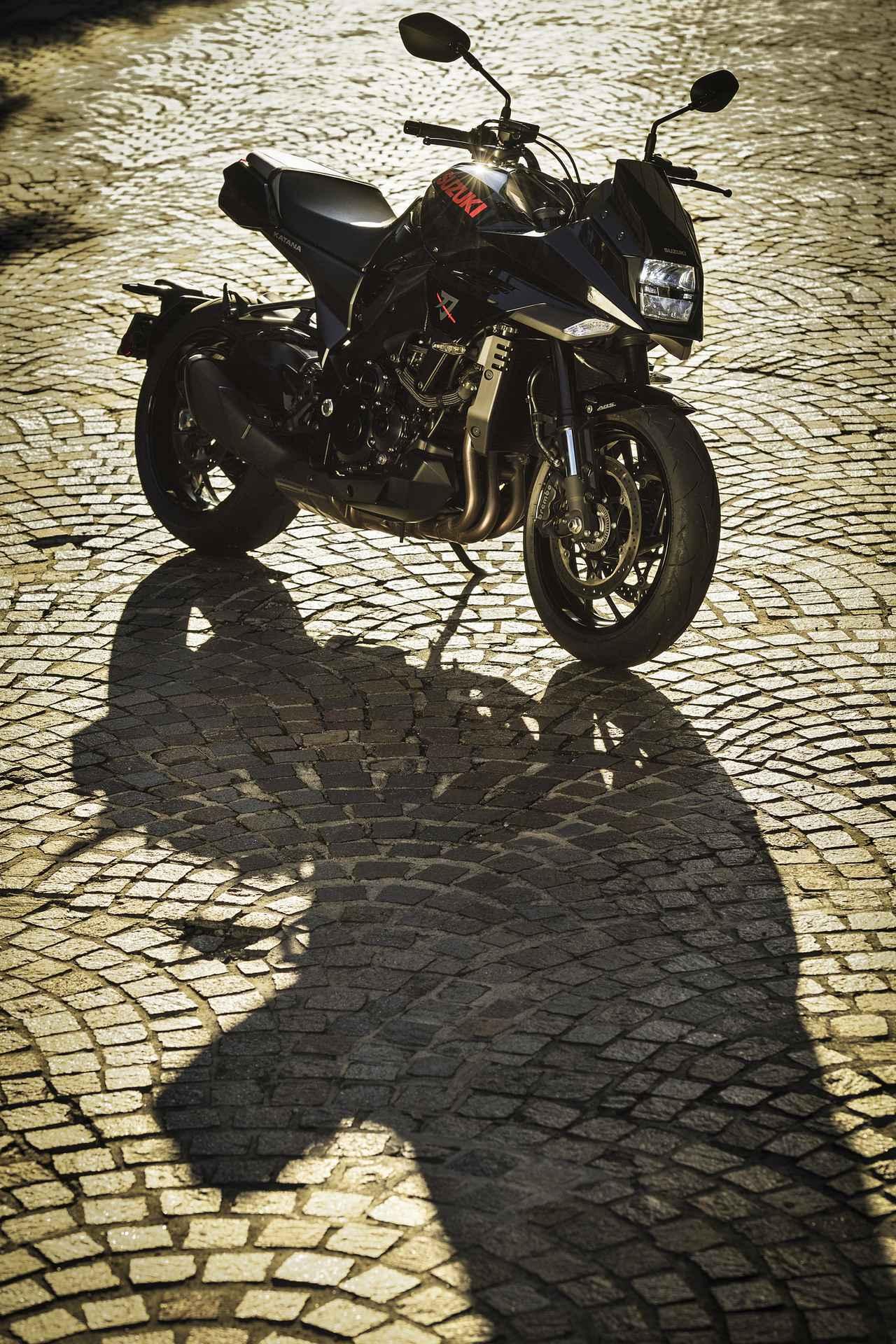 画像: 女子の本音に衝撃!? 大型バイクでタンデムするなら、ある意味スズキ『カタナ』が最もおすすめかもしれません……【SUZUKI KATANA/タンデムインプレ 後編】