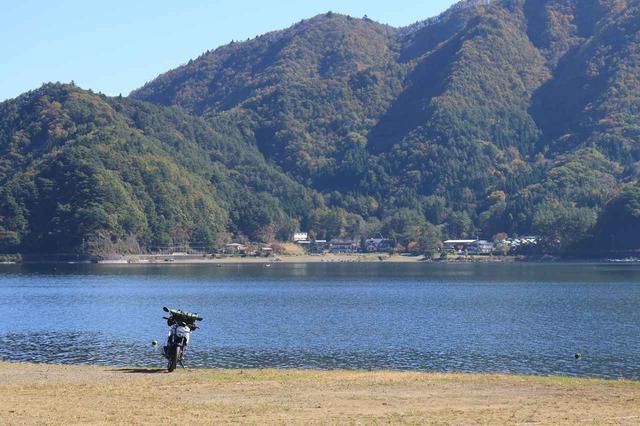 画像: ジクサー150「ここは俺の湖畔だー!」