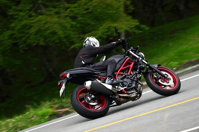 画像1: 前より評価が高くなってる? スズキの大型バイクでいちばん売れてる『SV650』と『SV650X』を並べて乗ってみた! - スズキのバイク!
