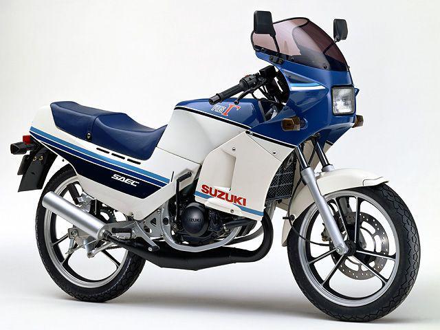 画像: 1985年に発売された初代「RG125Γ」は排気デバイスにSAECを採用し、L-BOXフレームや大径軽量のディスクなど、徹底的に走りにこだわった原付二種モデルでした。