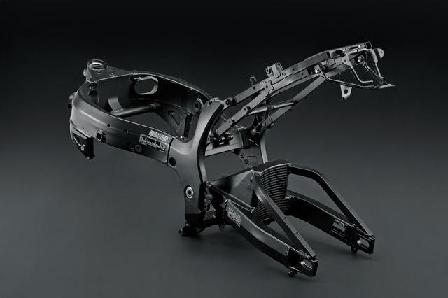 画像2: 新型『隼』は最先端の電子制御で完全武装!