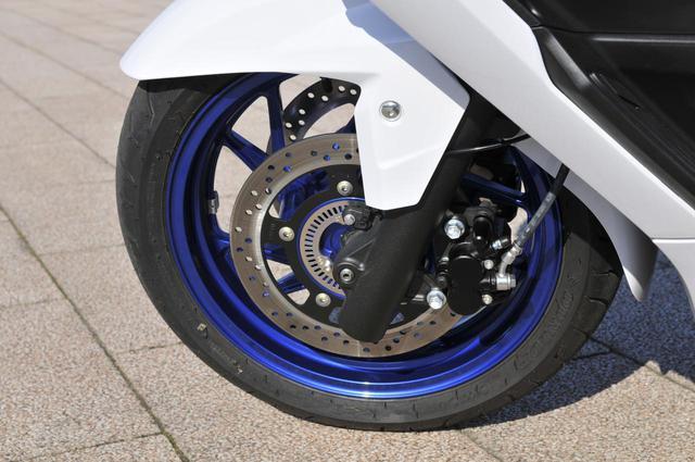 画像1: バーグマン400はスズキのバイクで最もハンドリングがおおらか