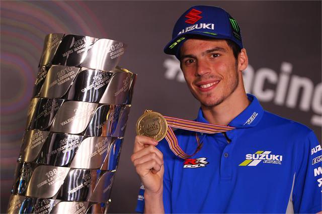 画像2: MotoGPのチャンピオンライダーは次のシーズンで栄光の『ゼッケン1』を使うことが許される