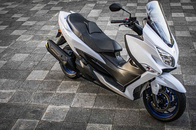 画像: いま中免で乗れる250cc~400ccのバイク選びで、スズキの『バーグマン400』っていうスクーターはアリなの? - スズキのバイク!