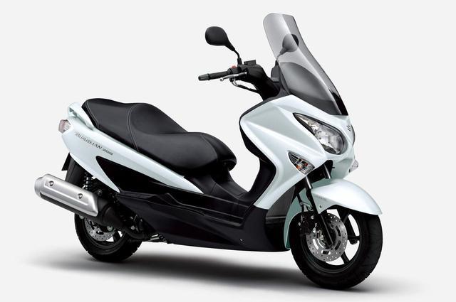 画像2: 【新車】ライバルは原付二種 or 150ccスクーター? スズキ『バーグマン200』が2021年モデルでABS装備となりました!価格と発売日は?【SUZUKI/BURGMAN200 ABS】
