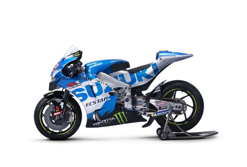 Images : 4番目の画像 - 「最高出力240馬力以上! スズキがモンスターエナジーとタッグを組んだ新型『GSX-RR』を初公開。全方位じっくりお見せします!【100%スズキ贔屓のバイクレース⑭/MotoGP 2021】」のアルバム - スズキのバイク!- 新車情報や最新ニュースをお届けします