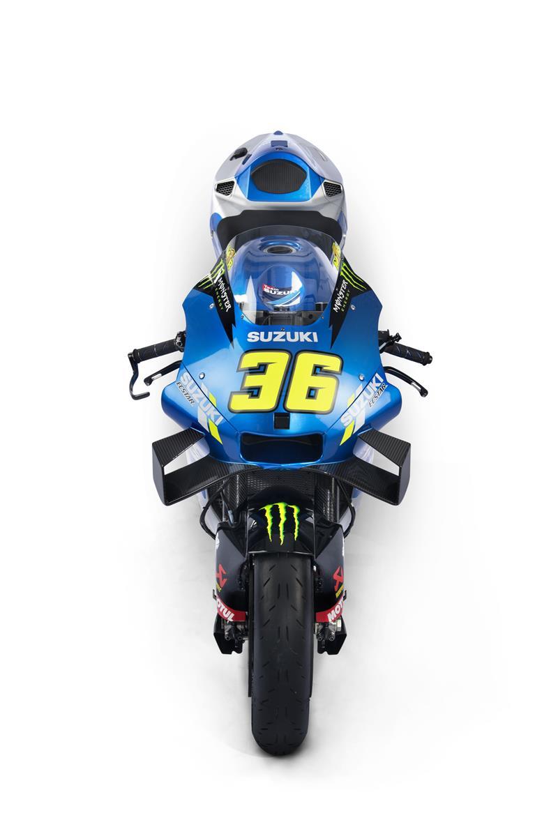 Images : 1番目の画像 - 「最高出力240馬力以上! スズキがモンスターエナジーとタッグを組んだ新型『GSX-RR』を初公開。全方位じっくりお見せします!【100%スズキ贔屓のバイクレース⑭/MotoGP 2021】」のアルバム - webオートバイ